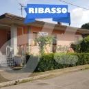 Cod.Cal008 -  Villetta su fronte strada con terreno e corte pertinenziale - € 160.000 Prezzo ribassato