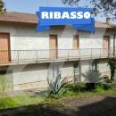 Cod.Sanm006 - Indipendente su due livelli con terreno e depositi accessori -  € 95.000 - Trattabili - San Martino Sannita