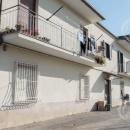 Cod.Hold.188 - Comodo appartamento al piano terra - Benevento - € 500,00