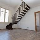 Cod.Hold.192 - Appartamento signorile su due livelli - € 130.000