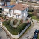 Cod.Hold.267 - Semindipendente su tre livelli con giardino e spazi esterni - € 250.000 prezzo richiesto