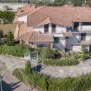 SAN NAZZARO - Cod.Hold.289 - in zona dominante e panoramica soluzione indipendente con spazio esterno - € 280.000 ( Intero fabbricato )