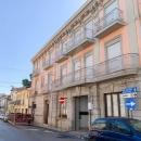 Cod.Hold.211 -  Appartamento da ristrutturare di due vani e accessori,  a pochi metri dalla piazza principale - € 40.000