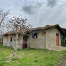 Cod.Hold.315 -  Deposito agricolo con piccolo spazio esterno - € 35.000