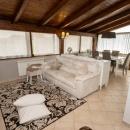 Cod.Hold.324 - Elegante attico di quattro vani e accessori in zona tranquilla - € 105.000