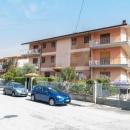 Cod.Hold.330 - Ampio appartamento di quattro vani e accessori con box auto - € 125.000